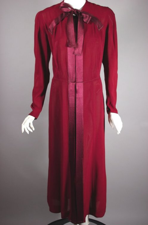 DR1179-burgundy red 1930s dress size L rayon crepe - 2.jpg