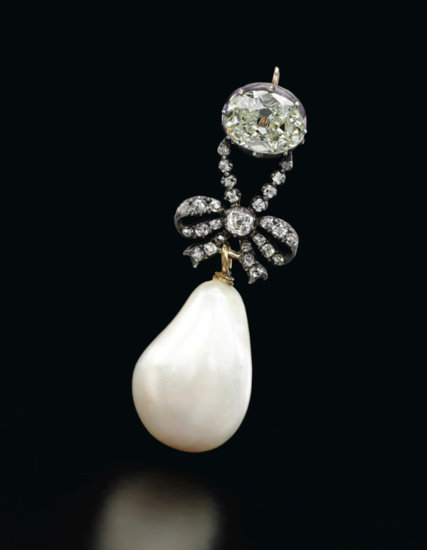 Marie-Antoinette-Jewelry-Auctioned-Sothebys-Necklaces-Rings-Earrings-Tom-Lorenzo-Site-6.jpg